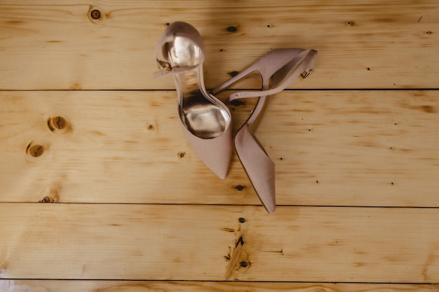 Elegant women's shoes for celebrations and weddings, bridal wear and details Premium Photo