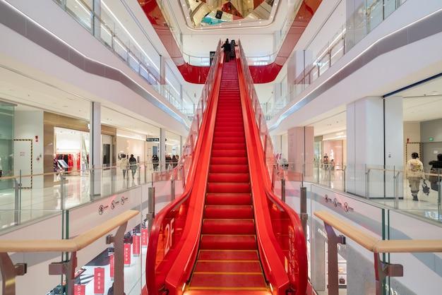 Shapingba District, Jinsha Tianjie 쇼핑 센터 엘리베이터 프리미엄 사진