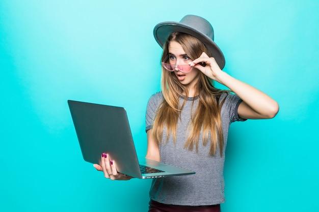 Девушка модель студенческой работы работа в орехово зуево девушки