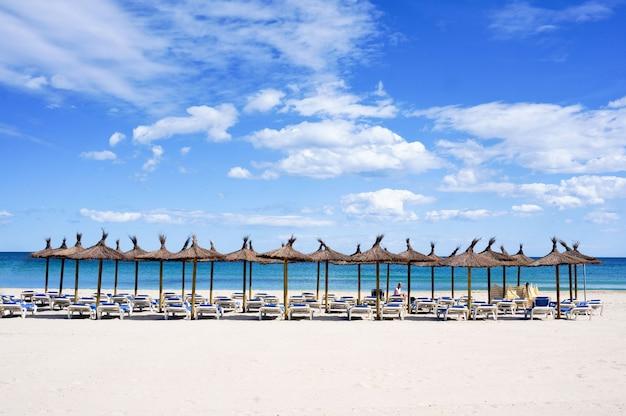 空のビーチ Premium写真