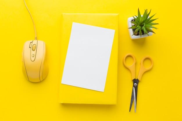 Пустая карточка с компьютерной мышью Бесплатные Фотографии