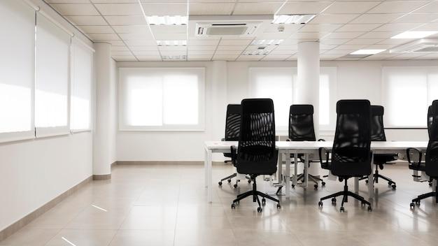 Пустой конференц-зал с копией пространства Бесплатные Фотографии