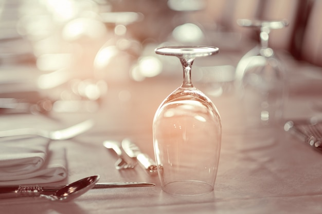 Empty glasses in restaurant, glass water Premium Photo