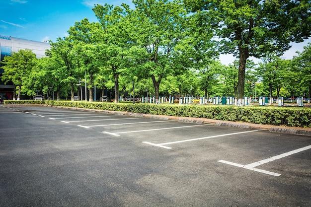 空の駐車場 無料写真
