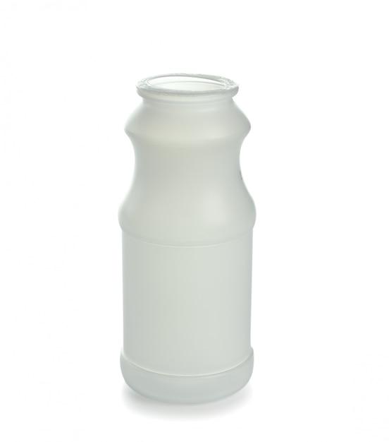 白い背景で隔離された空のペットボトル Premium写真