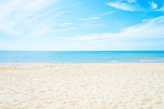 Empty sea and beach background Free Photo