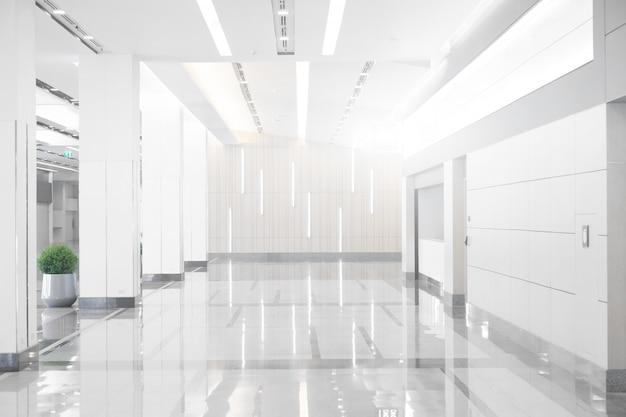 Empty space (empty wall in a bright room) Premium Photo