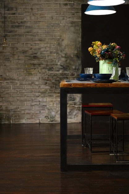 Empty table served for dinner Premium Photo