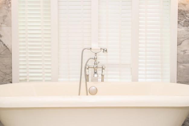 Empty white bathtub decoration interior Free Photo