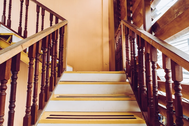 Empty wood stair Premium Photo