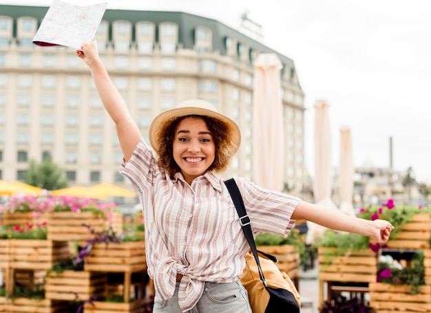 Enthusiast woman traveling alone Free Photo