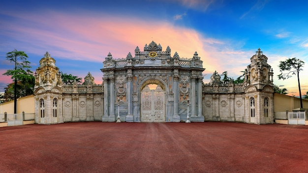 Entrance gate at sunset in istanbul, turkey. Free Photo