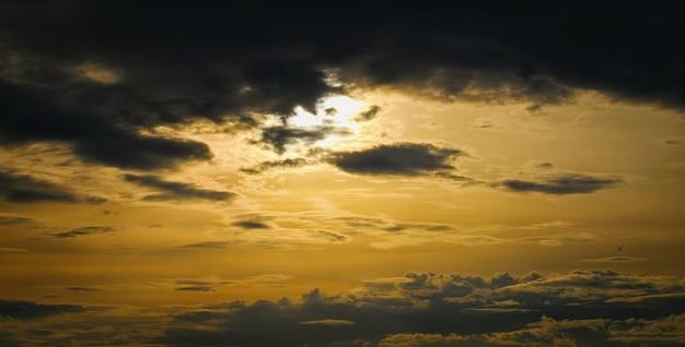 Epic dramatic sunset Premium Photo