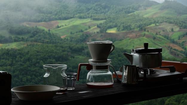 ドリップコーヒーを作るための機器 Premium写真