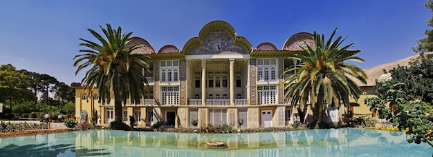 Сад эрам в городе шираз, иран Premium Фотографии