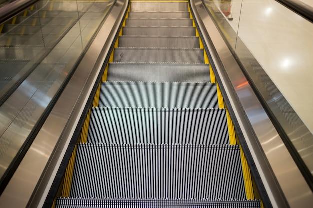 Escalator Premium Photo