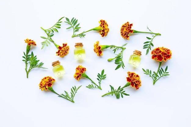 Essential oils of marigold flower Premium Photo