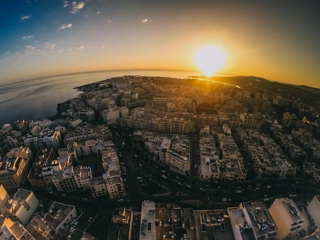 Evening view of malta with air Premium Photo