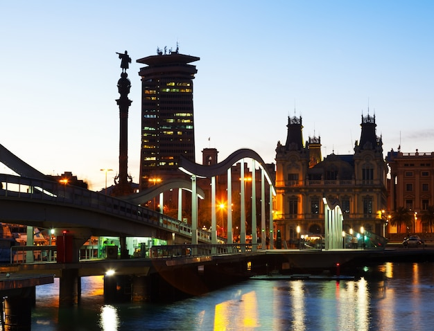 Evening view of port vell in barcelona Free Photo