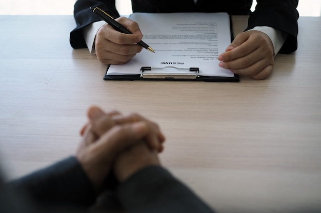 Executives are interviewing candidates Premium Photo
