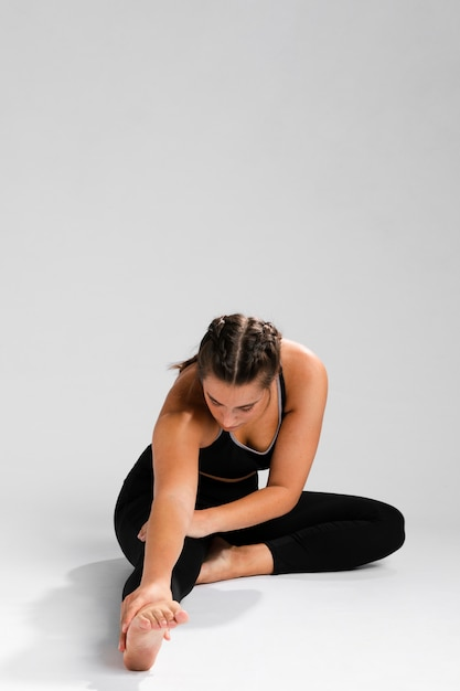 Exercising with copy space background Free Photo