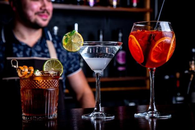 О работе бармена в ночном клубе барбер клуб москва