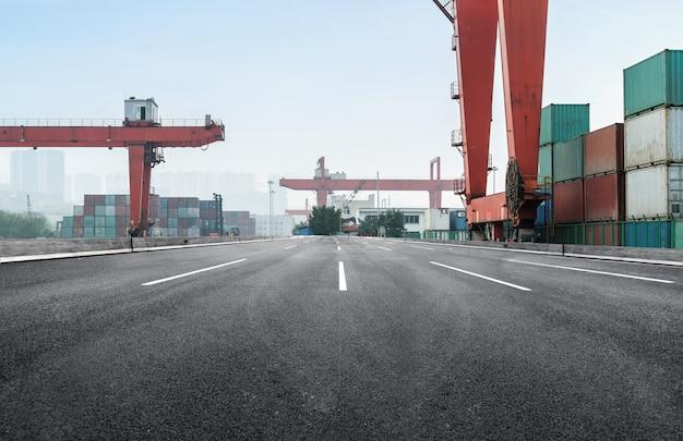 Expressway and container terminal Premium Photo