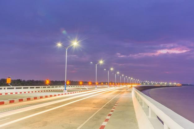 Expressway at night shot. Premium Photo