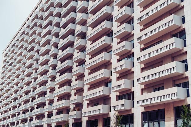 Facciata di un edificio residenziale Foto Gratuite