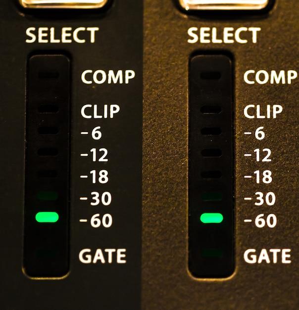 ボリュームメーター付きフェーダーデジタルミキシングコンソール 無料写真