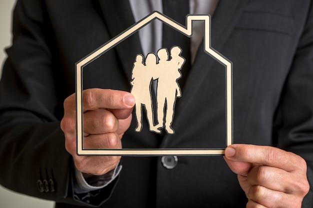 Семейное домовладение и концепция образа жизни. Premium Фотографии