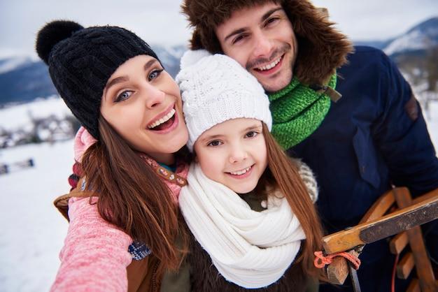 Viaggio in famiglia in montagna Foto Gratuite