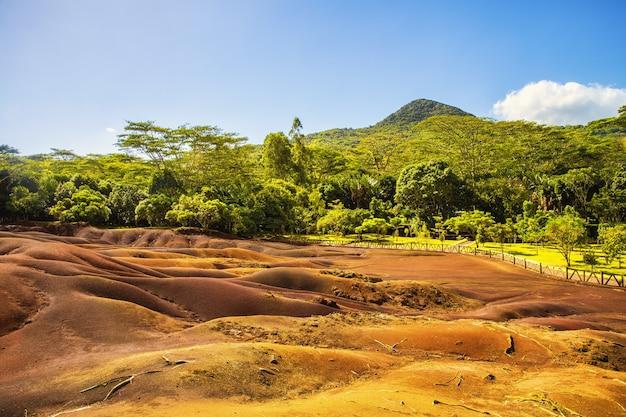 モーリシャスのシャマレルにある有名な7色の地球 無料写真