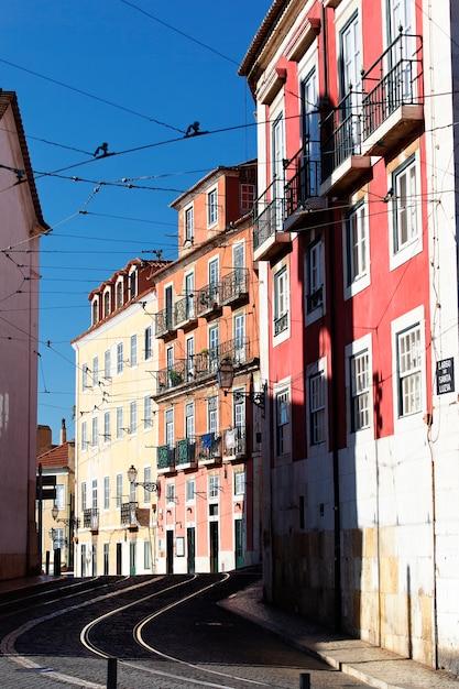 Famosa strada a lisbona in estate, portogallo Foto Gratuite