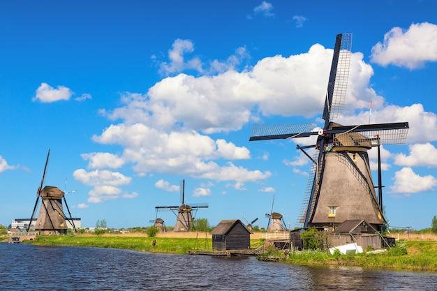 Famous windmills in kinderdijk village in holland. Premium Photo