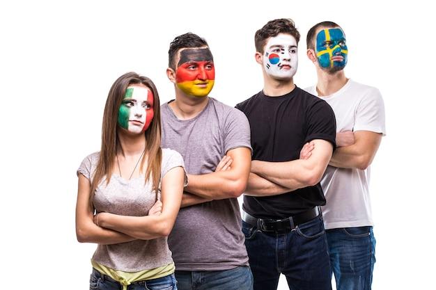 독일, 멕시코, 한국, 스웨덴의 국기 얼굴이 그려진 국가 대표팀의 팬. 무료 사진