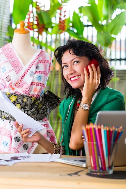 нужен дизайнер одежды фриланс