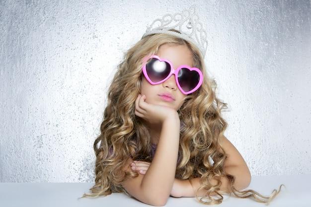 Fashion victim little princess girl portrait Premium Photo