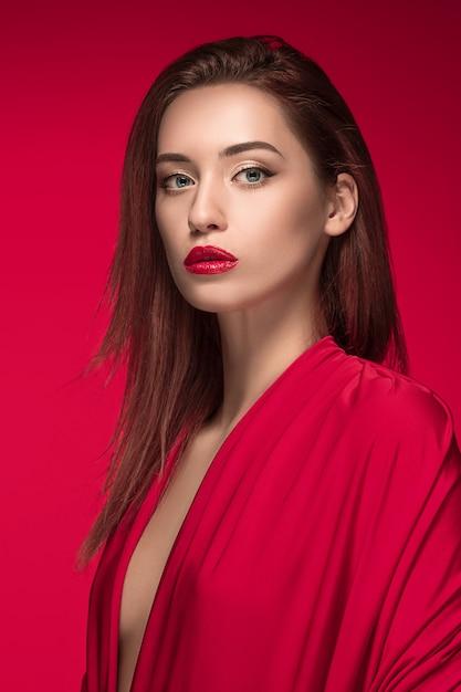 Fashion woman portrait. beautiful model. Free Photo