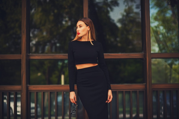 Fashionable young woman in skirt Premium Photo