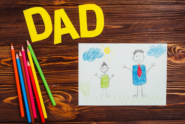 Композиция дня отца с рисунками детей Бесплатные Фотографии