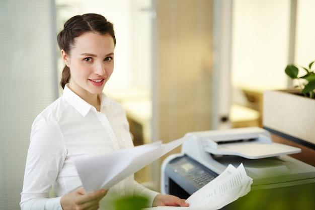Female accountant Free Photo
