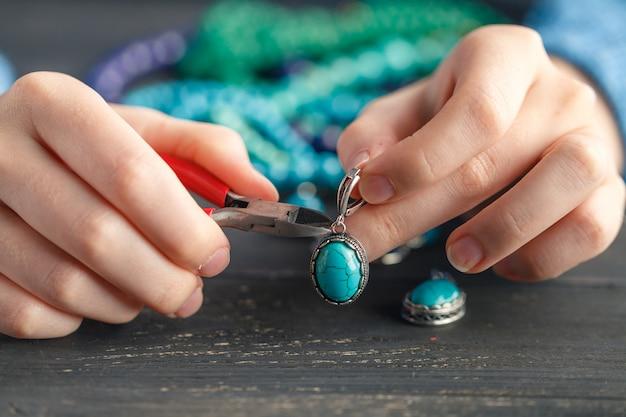 Девушка украшения ручной работы модели онлайн оренбург