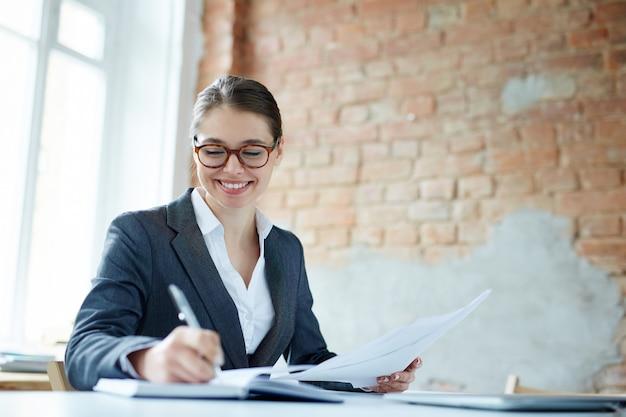 Female entrepreneur Free Photo