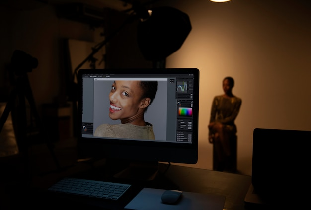 Female model posing for a photo shoot Premium Photo