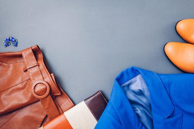 アクセサリーの女性服 Premium写真