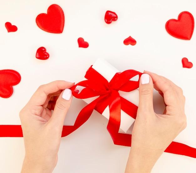 Женский подарок на день святого валентина Бесплатные Фотографии