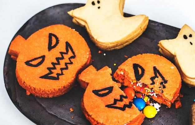 Festive and cute halloween cookies Free Photo