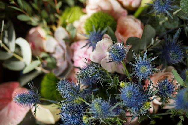 フィーバーウィードの花。イベントの花の装飾 Premium写真