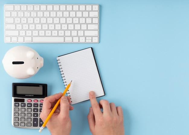 Finances elements arrangement with copy space Free Photo